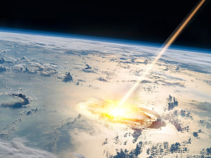 meteorite hits earth