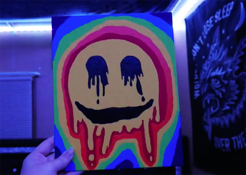 trippy smiley face painting