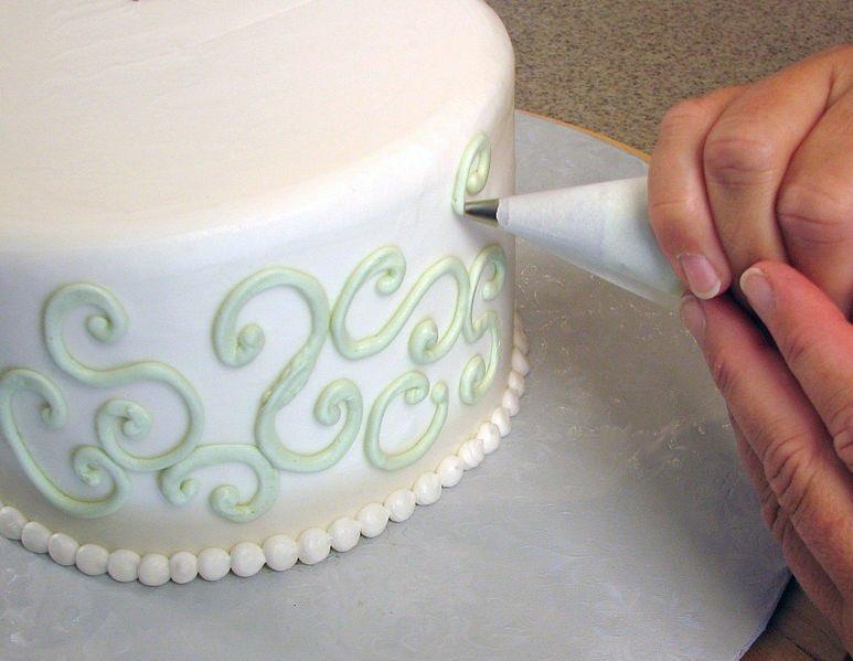 decorating weed cake